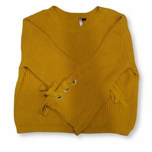 Mustard Knit Sweater w Lace up Flare Sleeves  XL J